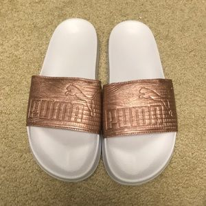 NEVER WORN PUMA SLIDES ROSE GOLD
